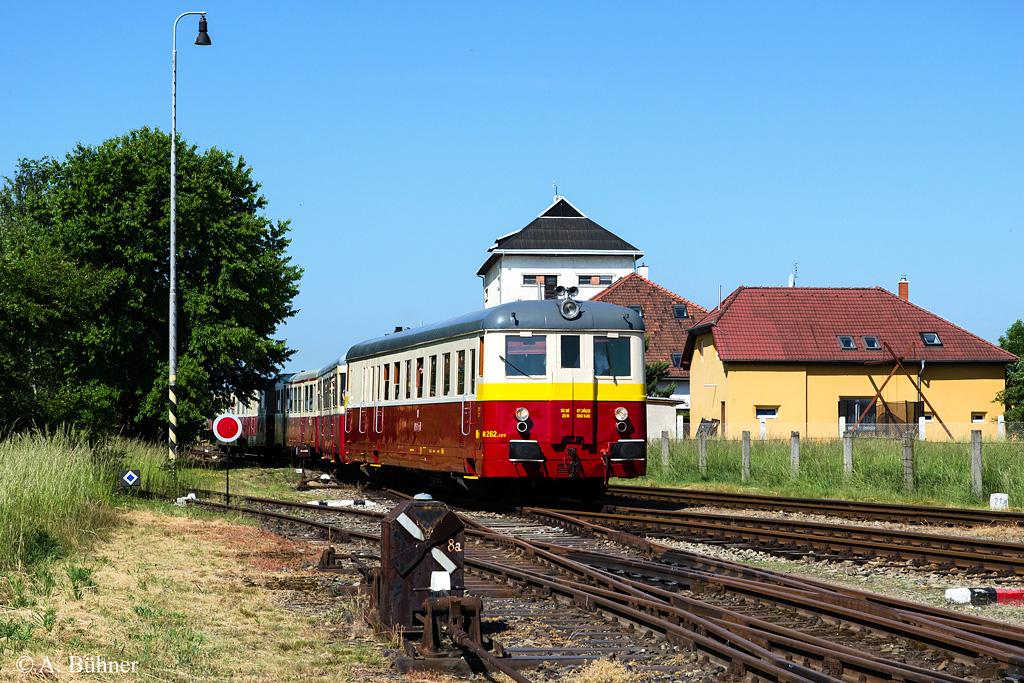 06.06.2015, 9.58 Uhr: M 262.1212 in Straškov