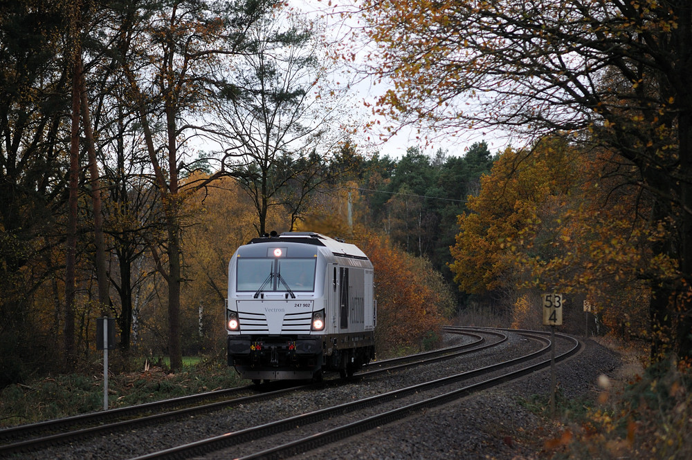 247 902 am 10.11.15 bei Brensdorf auf dem Weg von München nach Dresden.