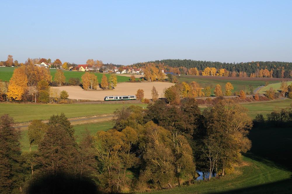 Bei Naabdemenreuth war ein unbekannt gebliebener Desiro auf dem Weg nach Marktredwitz.