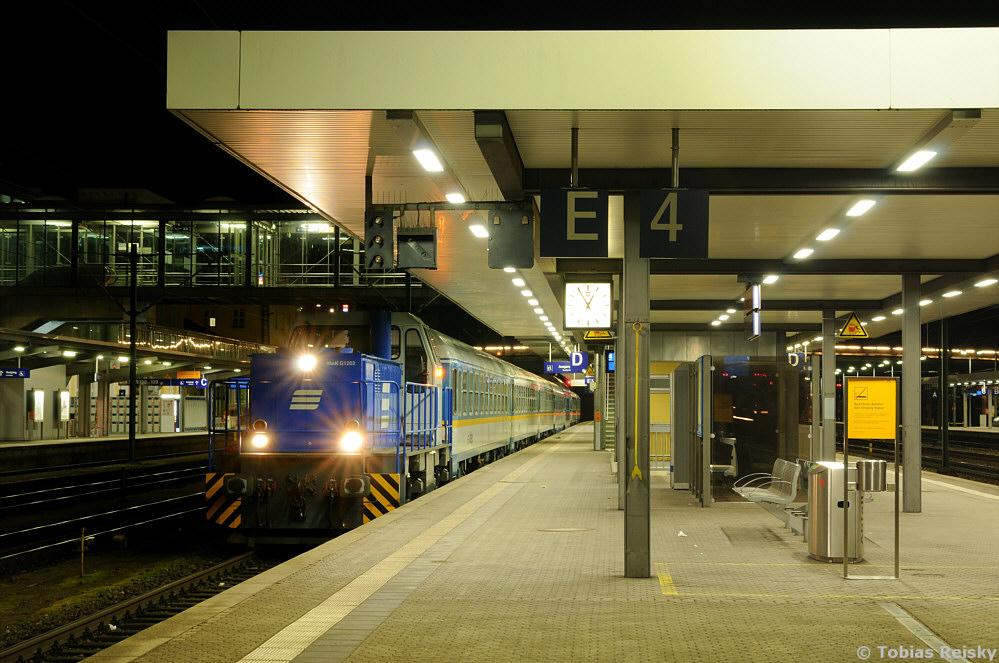 Ausschließlich nachtaktiv ist die für die Bildung der ALEX-Züge in Regensburg eingesetzte Rangierlok. D03, eine MaK G1202, kam bereits 1980 zur Regentalbahn.