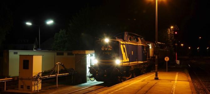 Nachtfoto-Spezial: Die EVB mit Ölzug in Furth im Wald