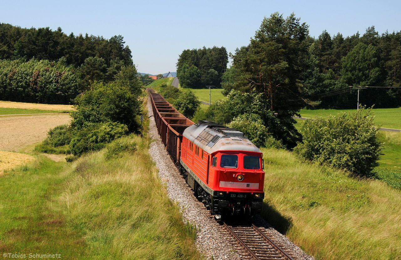 Der Blick in den Fahrplan verriet, dass der Zug in Neukirchen zur Seite musste, sodass wir ihm nochmal bei Lockenricht auflauerten.
