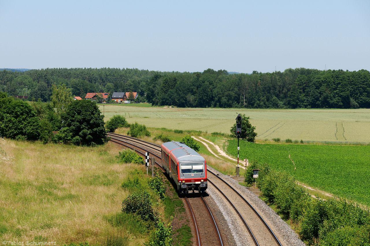 Danach kam die Meldung rein, dass der Lt-G70712 auch bereits kurz vor Amberg ist, sodass wir den 628 339, welcher auf WLAN-Messfahrt nach Furth-im-Wald war, zwischen Richt und Schwandorf ablichteten.