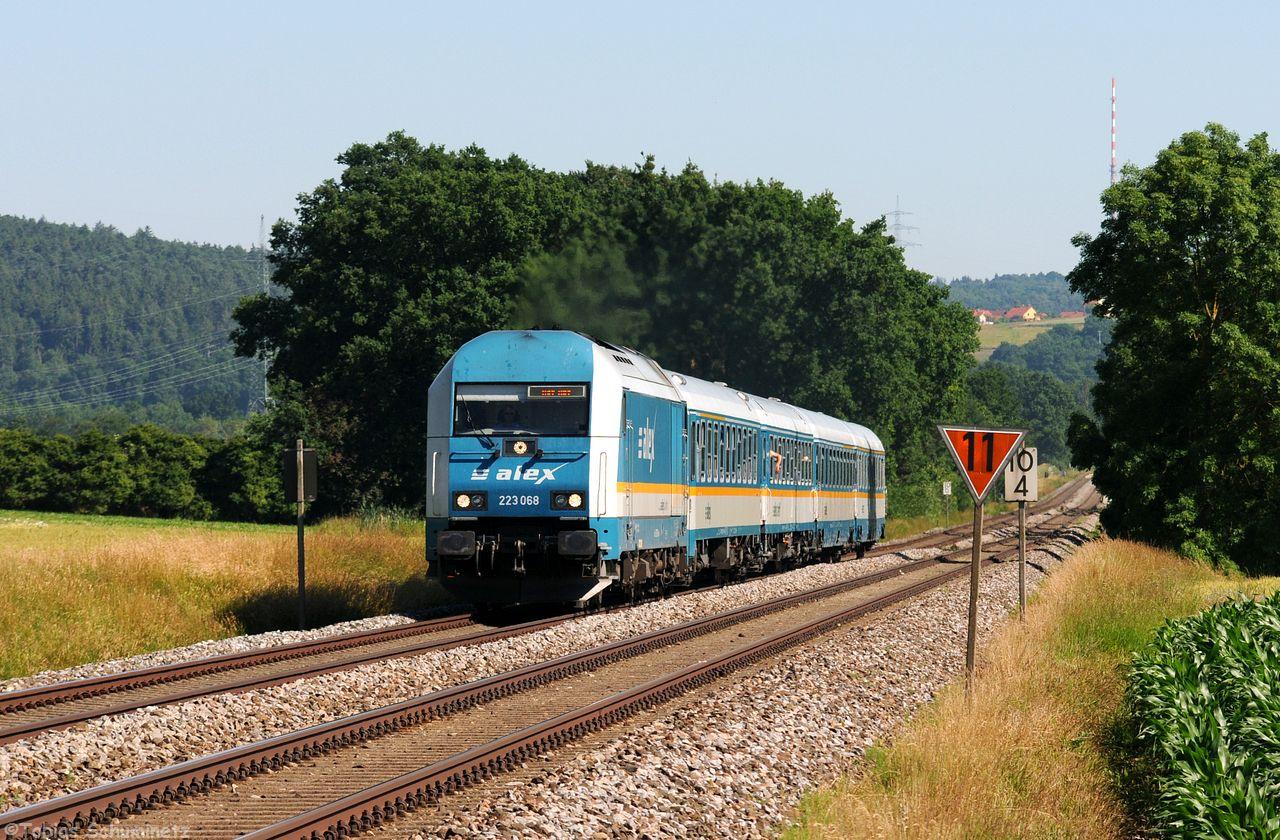 Die 223 068 musste den ALX84110, welcher an diesem Tag ohne Doppelstockwagen unterwegs war, nach Hof befördern.