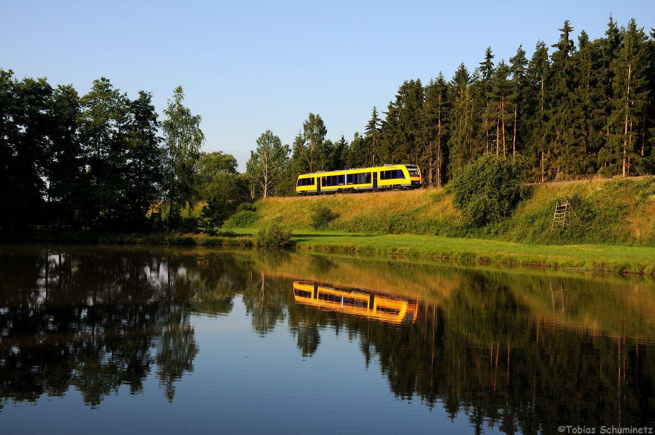 Da die neuen Triebwagen der Oberpfalzbahn eine gute Figur machen, wurde auch noch einer abgewartet.