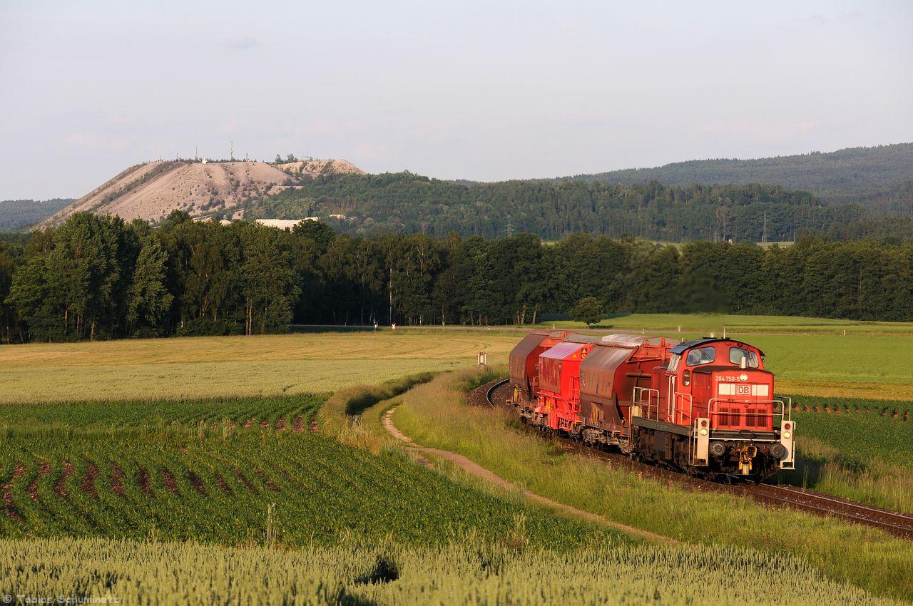 """Am 10.06.2016 war ich mit einem Bekannten nochmals kurz unterwegs, dabei wurde der bekannte """"Monteblick"""" mit dem aus drei Wagen bestehenden Zug nochmals etwas seitlicher umgestezt."""