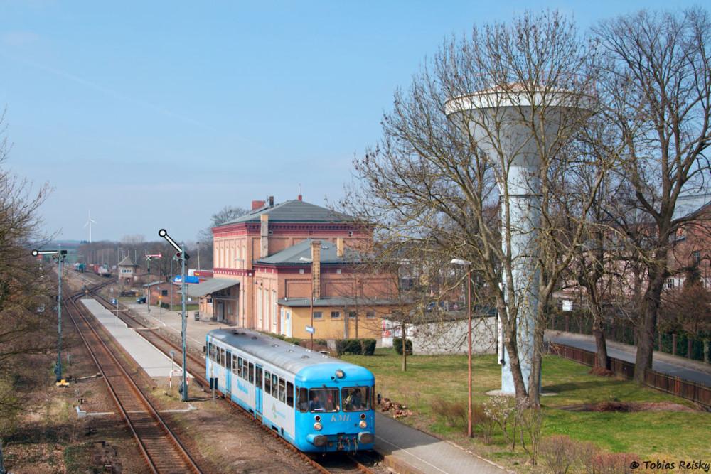 Los ging es am 02.04.2016 an der Ausfahrt in Klostermansfeld - den Triebwagen wurde zwischenzeitlich der DB-Keks entfernt.