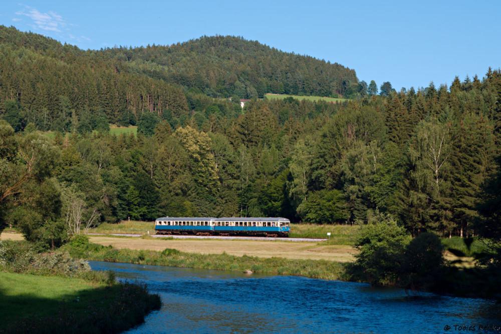 Am 10. Juli bot sich mir dann die Gelegenheit, nochmals den Klassiker beim Hp Gstadt umzusetzen: VS28 und VT07 als Zug 110 auf dem Weg von Gotteszell nach Viechtach.