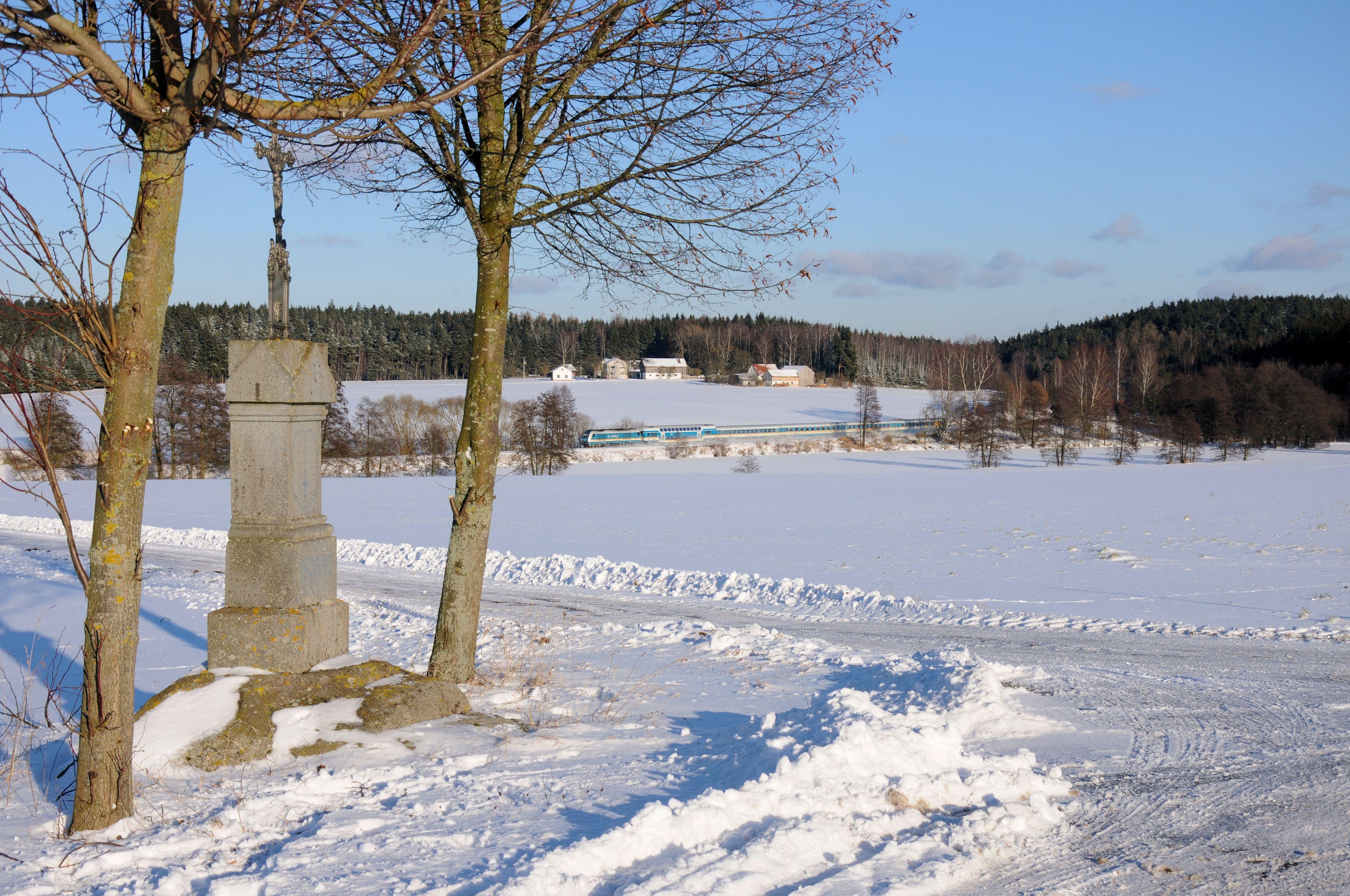 Danach fuhren wir nochmals zum Escheldorfer Teich, Valera hatte die Idee, das Marterl welches am Wegesrand stand, mit dem ALX84115 umzusetzen.