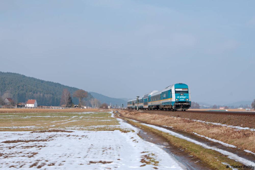 Schließlich noch brandaktuell zwei Aufnahmen vom heutigen Tage: Bei Haindorf war D67 mit ALX 84113 unterwegs - ich wartete aber eigentlich auf...