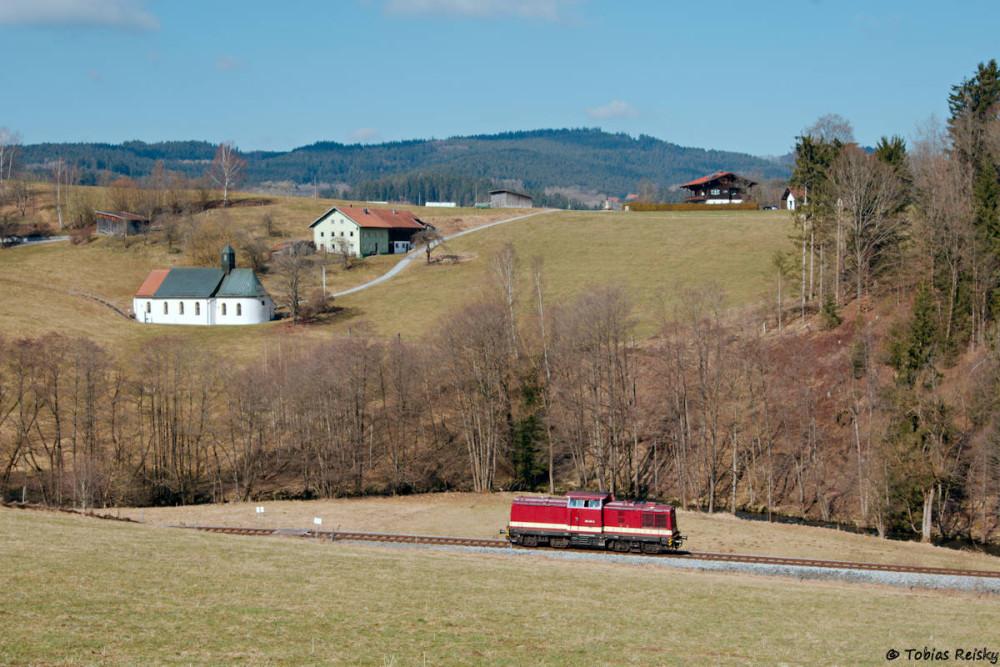 Gewartet wurde aber eigentlich auf diese Fuhre: 204 237 der MTEG Lz beim Osterbrünnl auf dem Weg nach Viechtach.