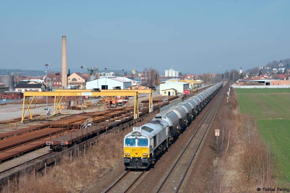 Sowohl Zug und Fotostelle dürften ja hier bekannt sein: MEG Zement am Schwellenwerk Schwandorf.