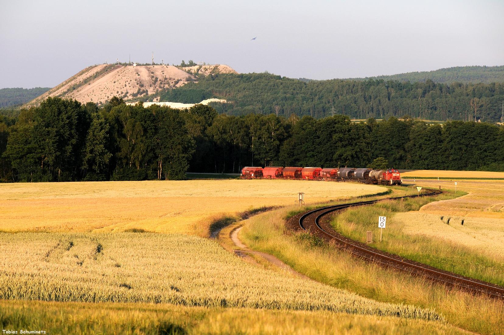 Ein erstes Streckenbild machten wir am vom letzten Jahr bekannten Monteblick. Doch war dies dieses Jahr ein Pflichtmotiv, denn wahrscheinlich wird der Bauaer im nächsten Jahr Strom statt Getreide anbauen.