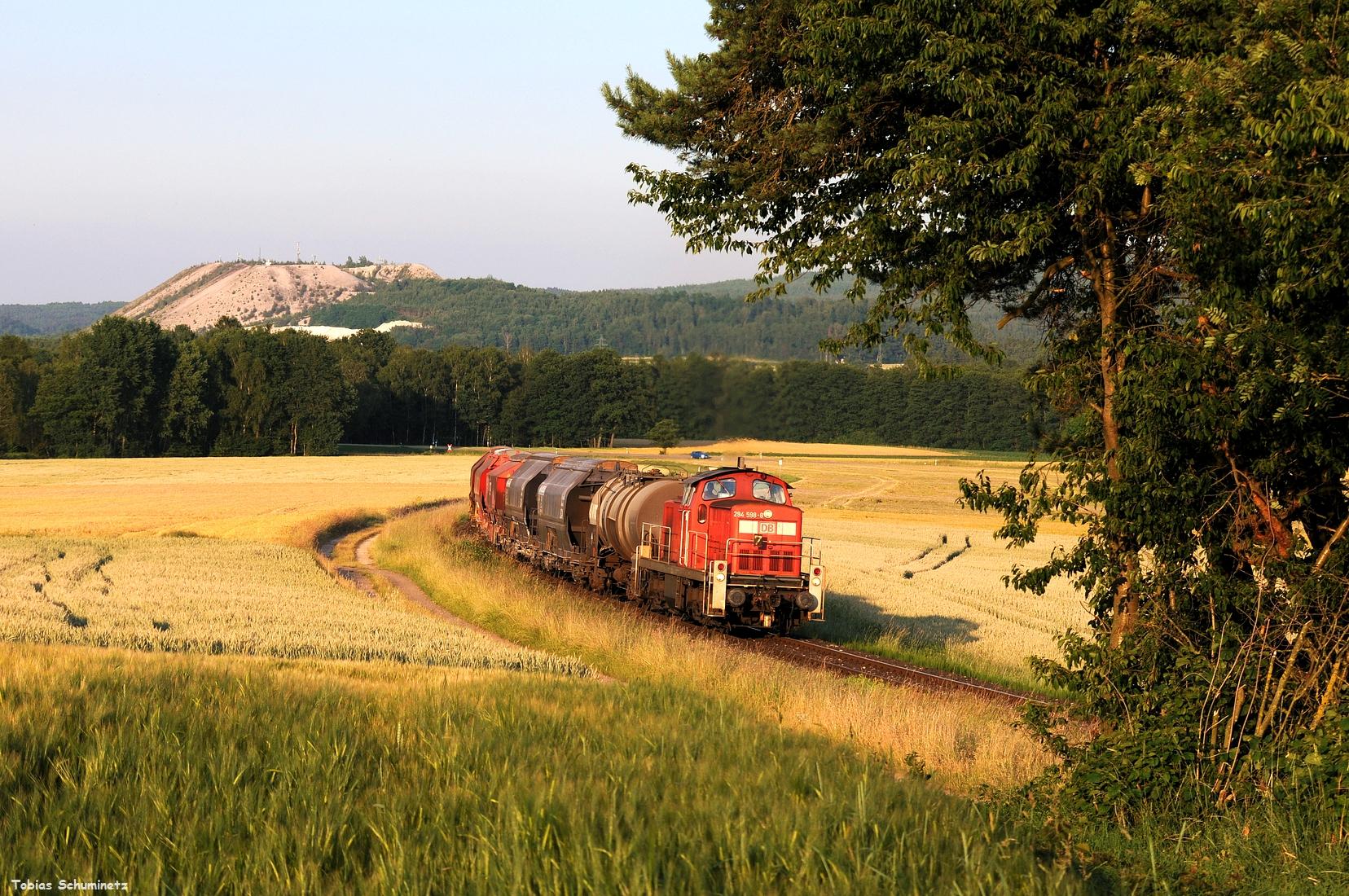 Der Zug war schön lang und fuhr daher auch langsam die Steigung zur Wasserscheide hinauf. So konnten wir eine weitere Kameraeinstellung machen.