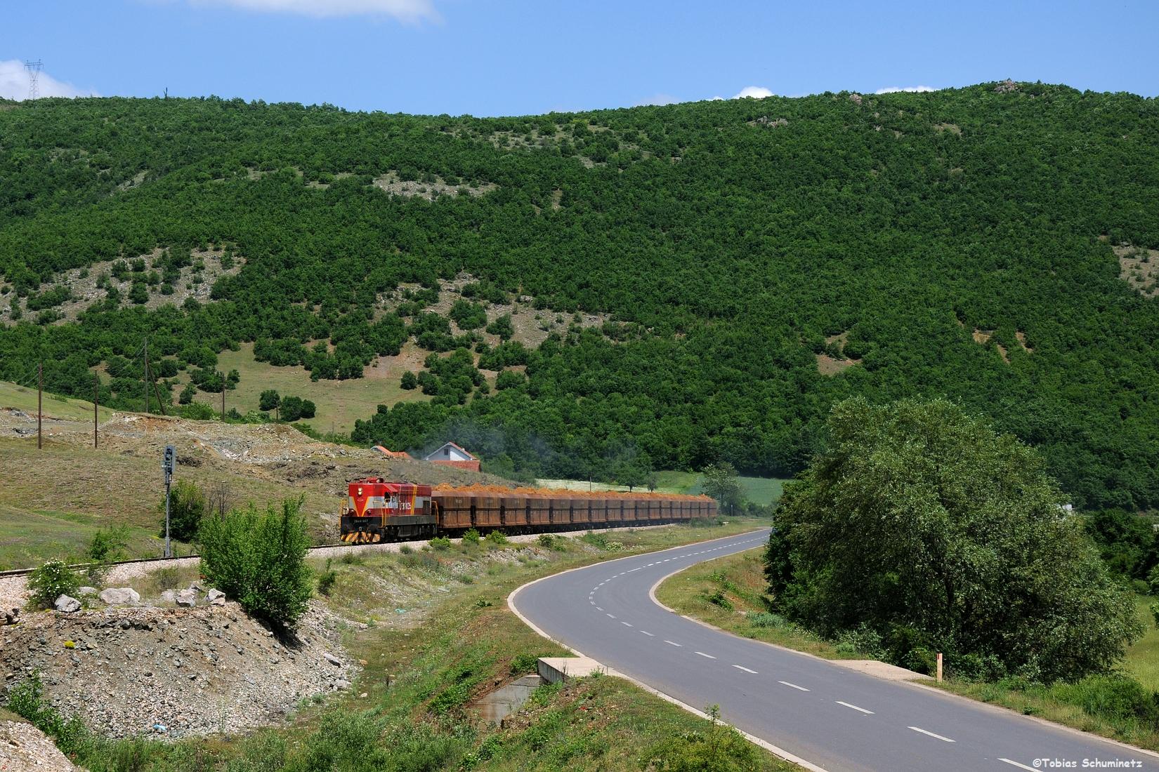 Wir heizten hinterher und kurz vor dem Bahnhof Dritan konnten wir den Zug nochmals aufnehmen.