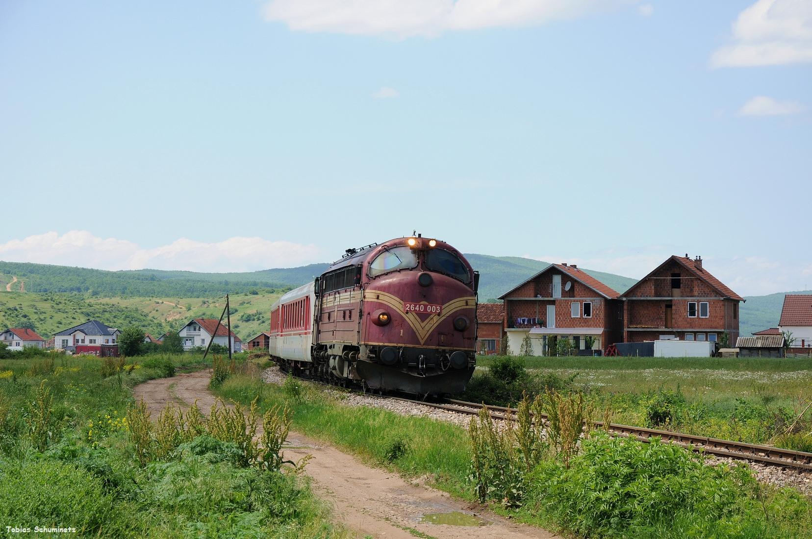 Hinter Bardh i Madh wollten wir den Zug nochmals erlegen. Doch leider war Murphy mit seiner Fotowolke zur Stelle.