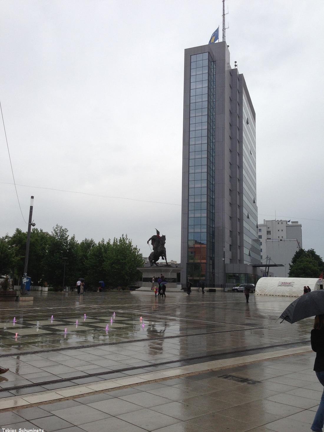 Die moderne Fußgängerzone von Pristina