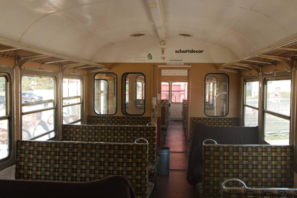 Am 30.08. war dann die Mitfahrt im Zug angesagt - bevor sich der Zug nahezu bis auf den letzten Platz füllen konnte gelang noch eine Innenaufnahme des VB.