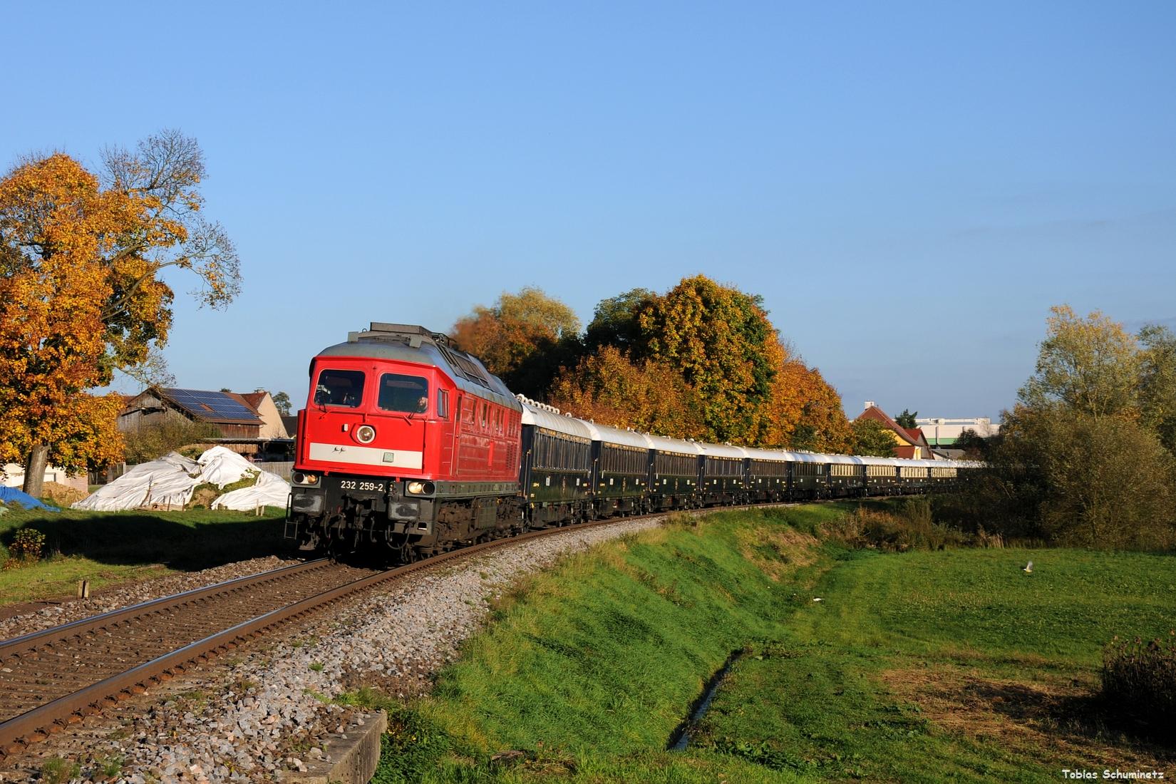 Da der Zug dieses Jahr um einiges früher verkehrte, musste in Cham nochmals gekreuzt werden. Wir schafften es nach Pösing, was aber ziemlich knapp war.