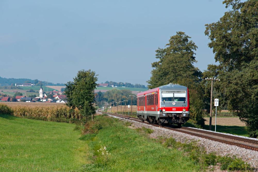 Etwas später war 628 566 zwischen Bayerbach und Karpfham auf dem Weg nach Passau.